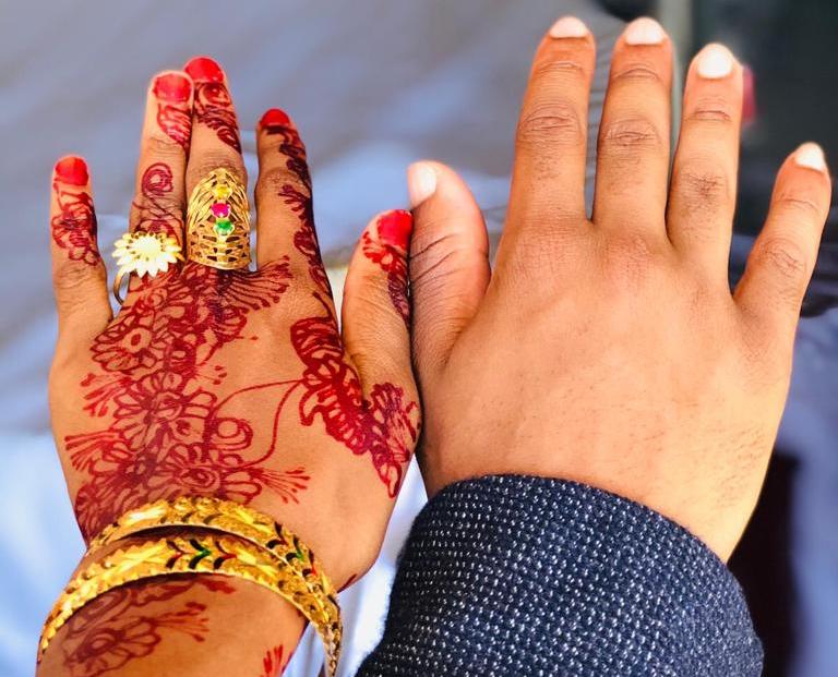 Enfin mariés: suite de «Relations à distance»!